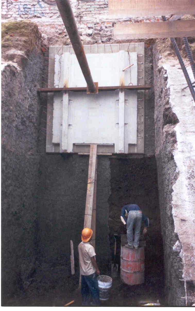 Muro de Contencion Edificio REvolucion