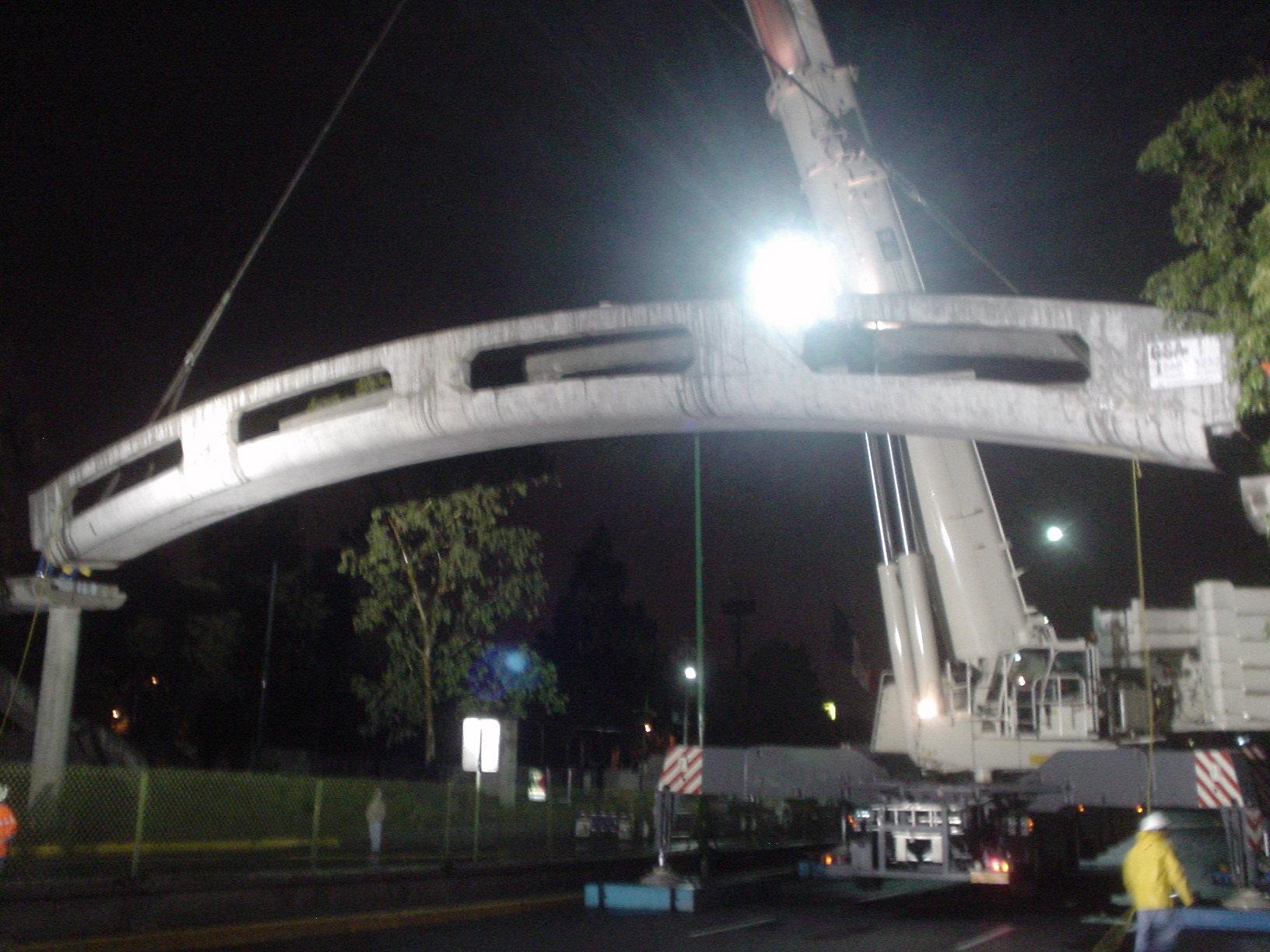 Trabe Curva Puente Peatonal
